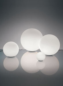 Dioscuri Modern Round Italian Glass Table Lamp - White - Artemide