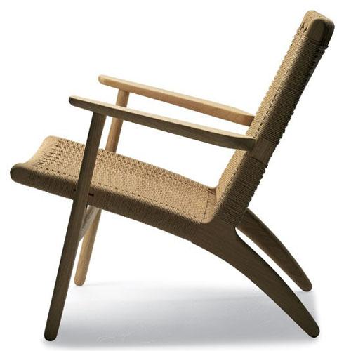 Hans Wegner CH25 Chair in Natural Oak by Carl HansenStardust