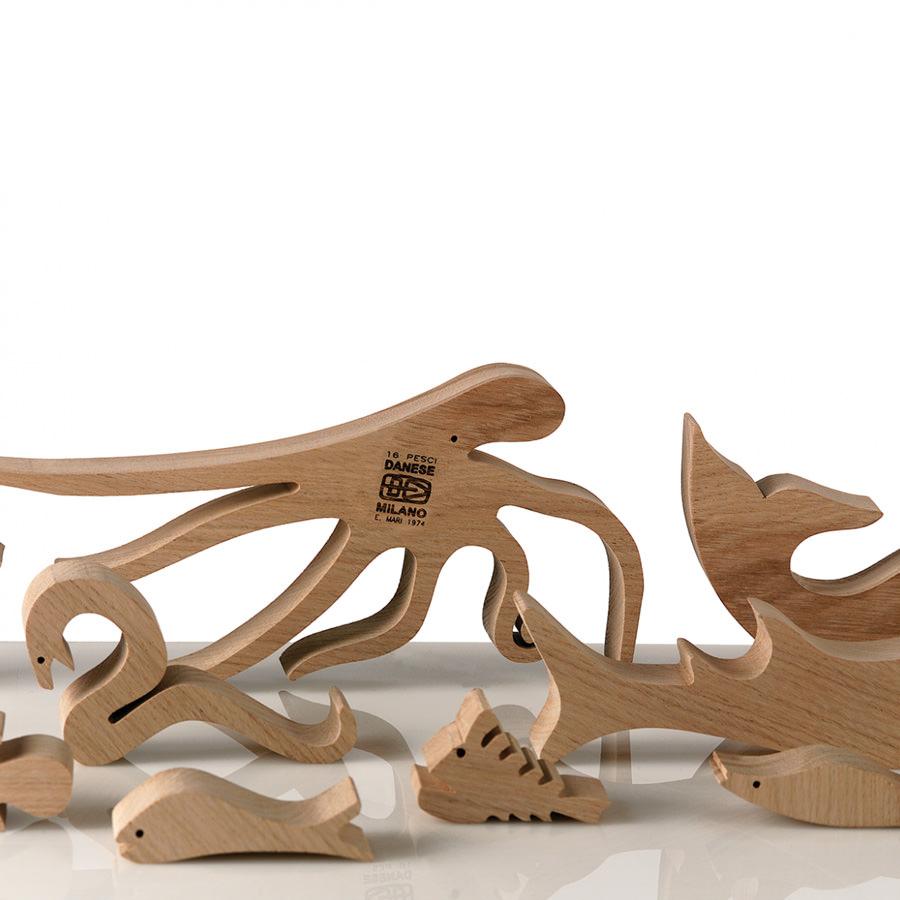 Danese Milano 16 Pesci Puzzle by Enzo Mari : Stardust
