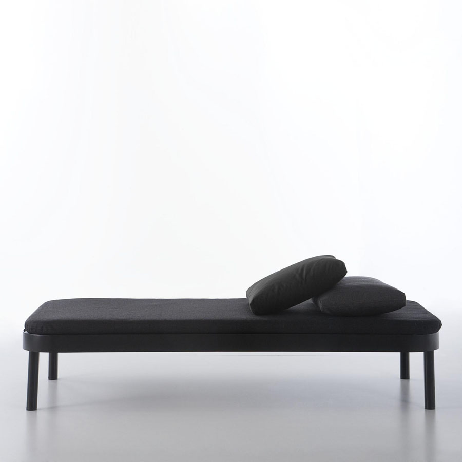 cama tropez modern chaise lounge bed by gandia blasco  stardust - cama tropez modern chaise lounge bed by gandia blasco