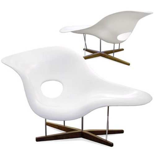 Vitra miniature la chaise chair by charles and ray eames stardust - Charles eames chaise ...