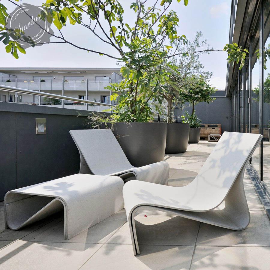 Sponeck Table Modern Garden