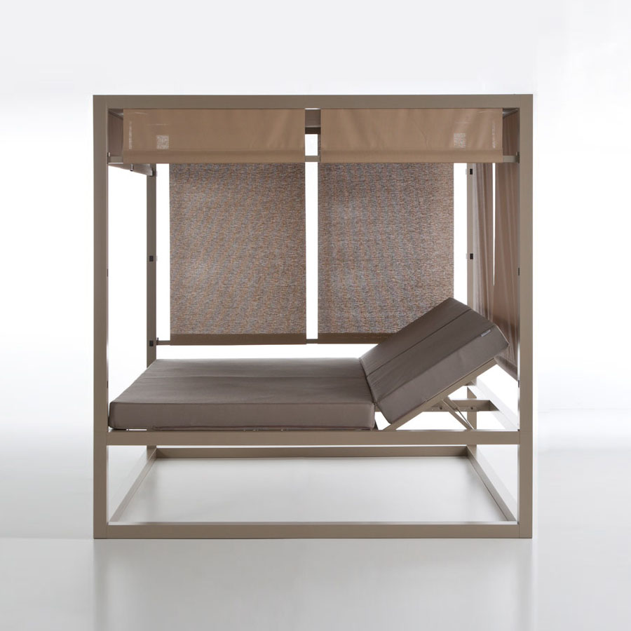 Daybed Elevada Modern Reclining Double Outdoor Daybed by Gandia